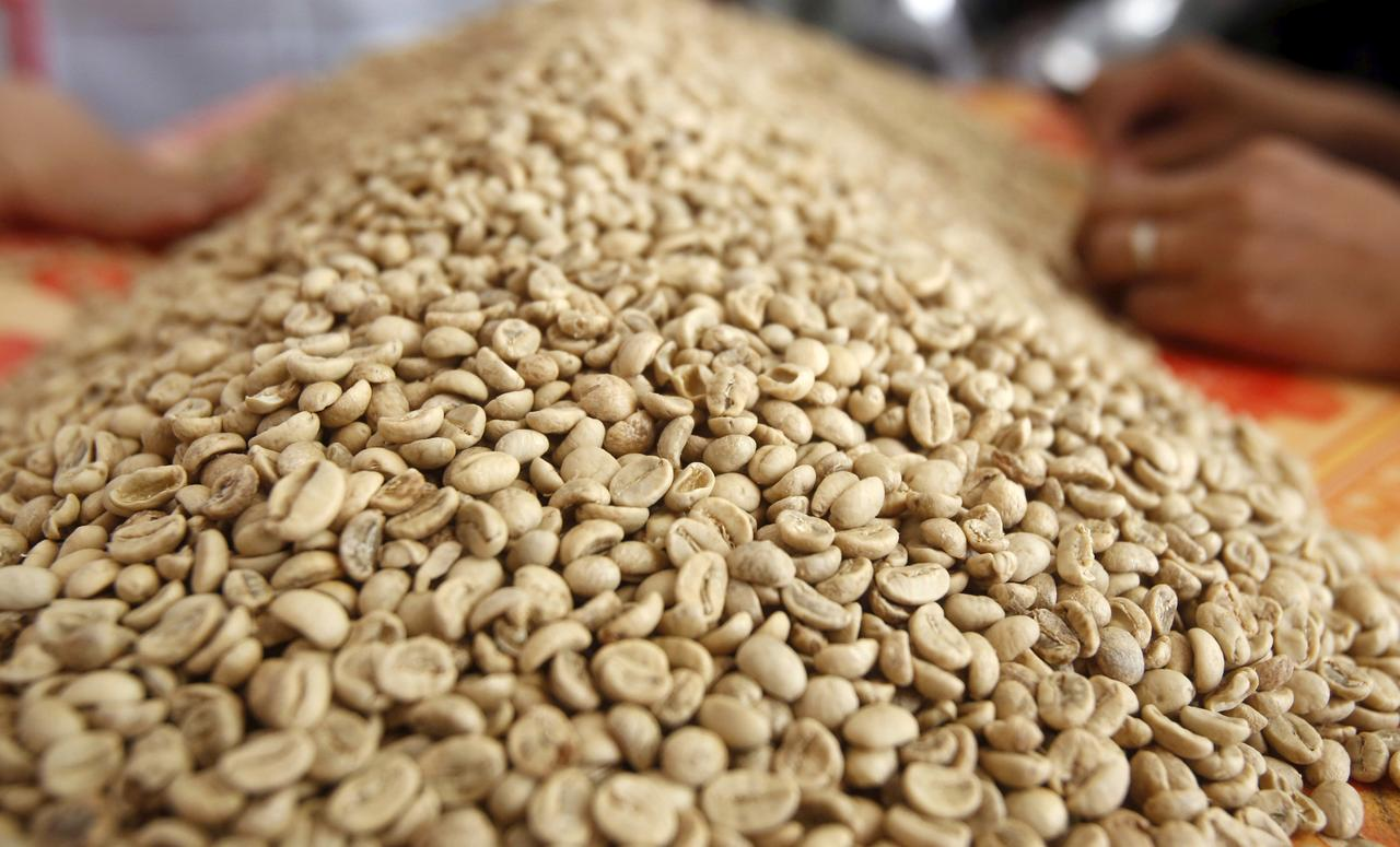 Vietnam April coffee exports seen falling to 2 million 60-kg bags