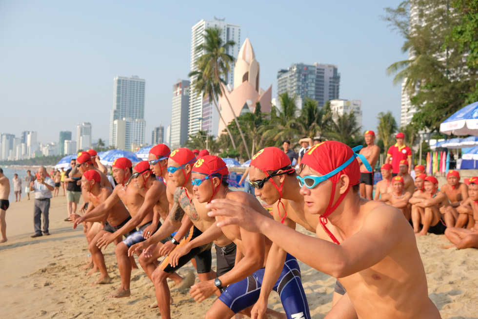 Lifeguard competition held in Vietnam's Nha Trang