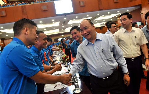 Vietnam must not cling onto low-cost labor status: PM