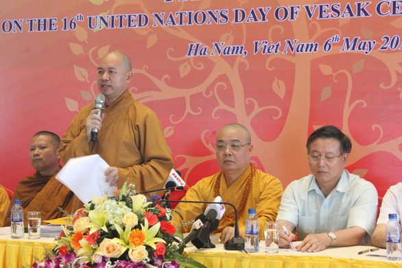 Most Venerable Thich Duc Thien, General Secretary of the Vietnam Buddhist Sangha speaks at the press conference on May 6, 2019. Photo: Thien Dieu / Tuoi Tre
