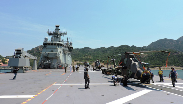 Helicopters onboard the HMAS Canberra. Photo: Phan Song Ngan / Tuoi Tre