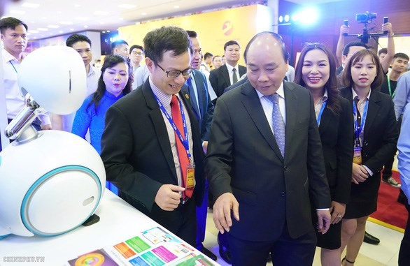 Vietnam holds first national forum for tech companies