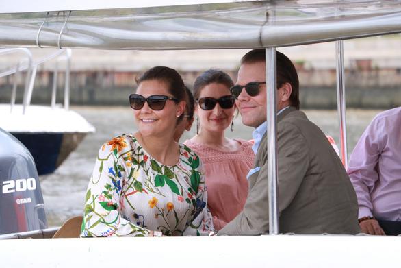 Crown Princess Victoria and her spouse. Photo: Binh Minh / Tuoi Tre