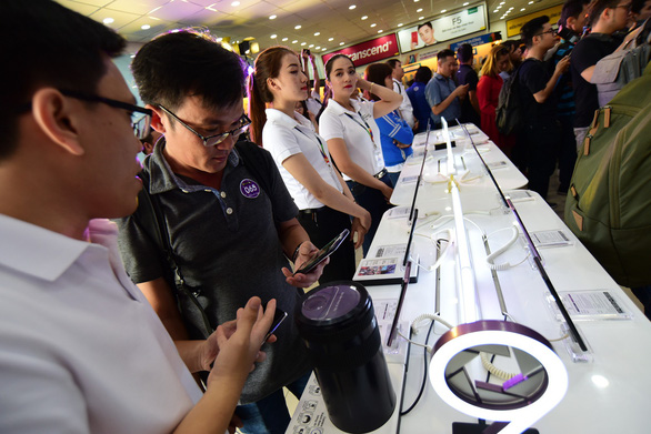 Ho Chi Minh City mulls 'special consumption tax' for mobile phones