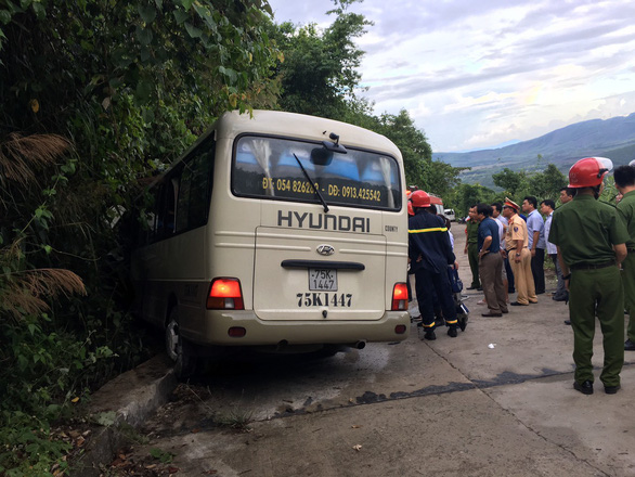 18 injured as bus carrying Singaporean visitors crashes into mountainside in Vietnam