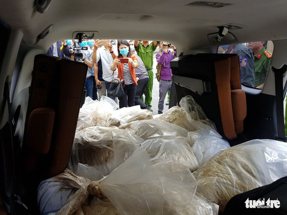 Nearly 500kg of crystal meth is seen in a car in Ho Chi Minh City. Photo: Ngoc Hien / Tuoi Tre