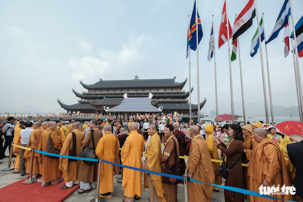 Delegates arrive at the pagoda to participate in the UN Day of Vesak.