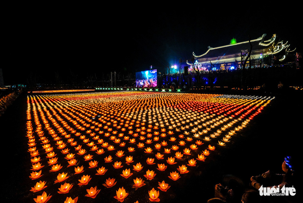 Thousands of water lanterns illuminate the Tam Chuc Pagoda in Ha Nam, northern Vietnam, on May 13, 2019. Photo: Nam Tran / Tuoi Tre