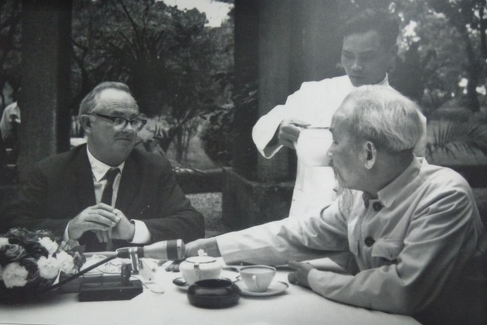 Exhibition portrays Vietnam through lens of Australian war journalist