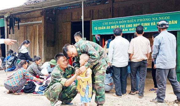Vietnamese border guard unit runs charity closet for needy people