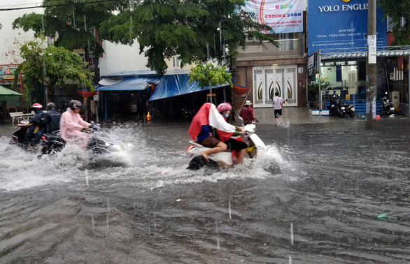 10 days of downpours to soak Ho Chi Minh City after sustained heat: forecast