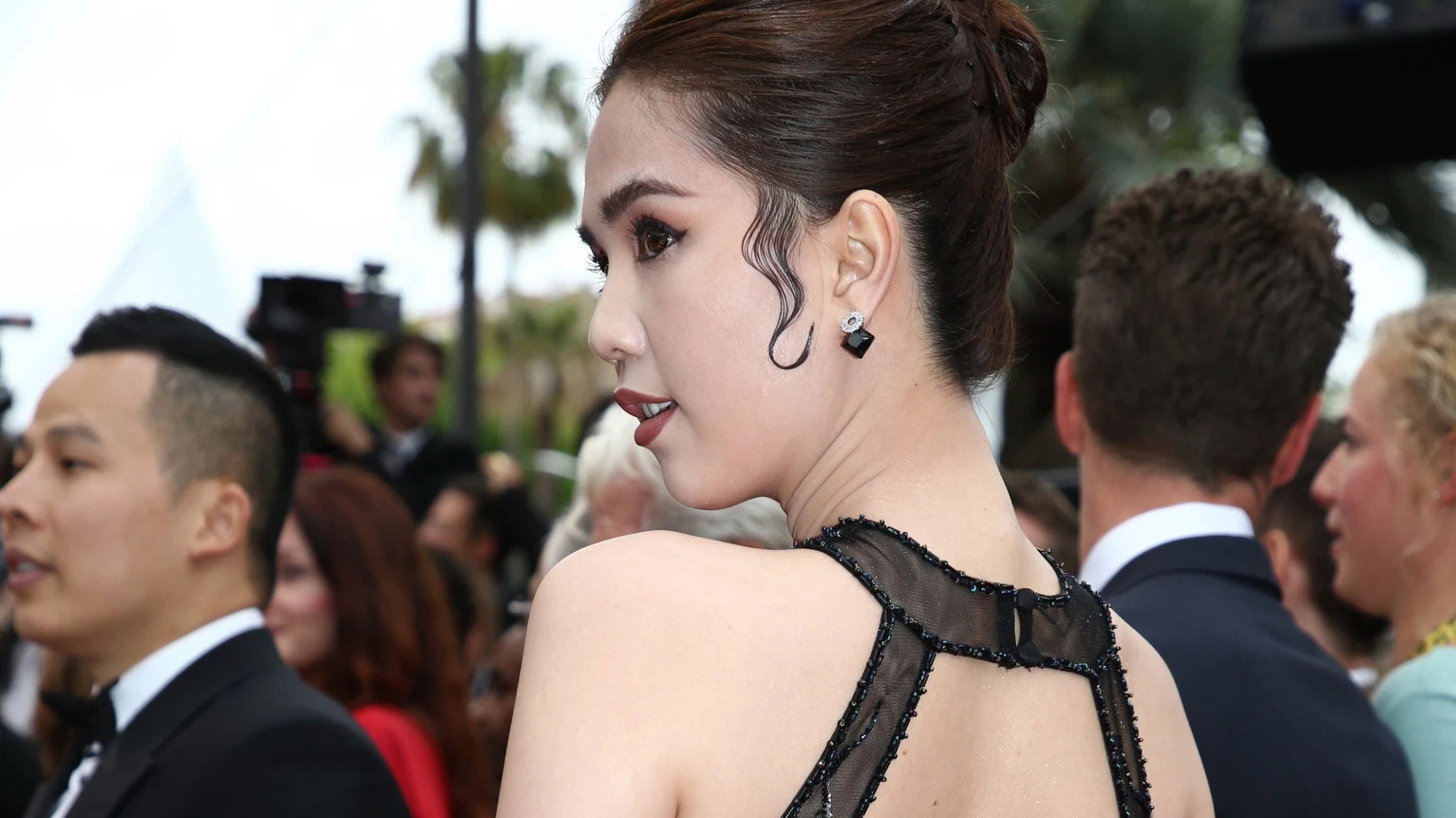 Vietnamese model bashed for wearing revealing gown in Cannes