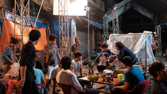 A behind-the-scene photo of Vietnamese short film 'Stay Away, Be Ready'.