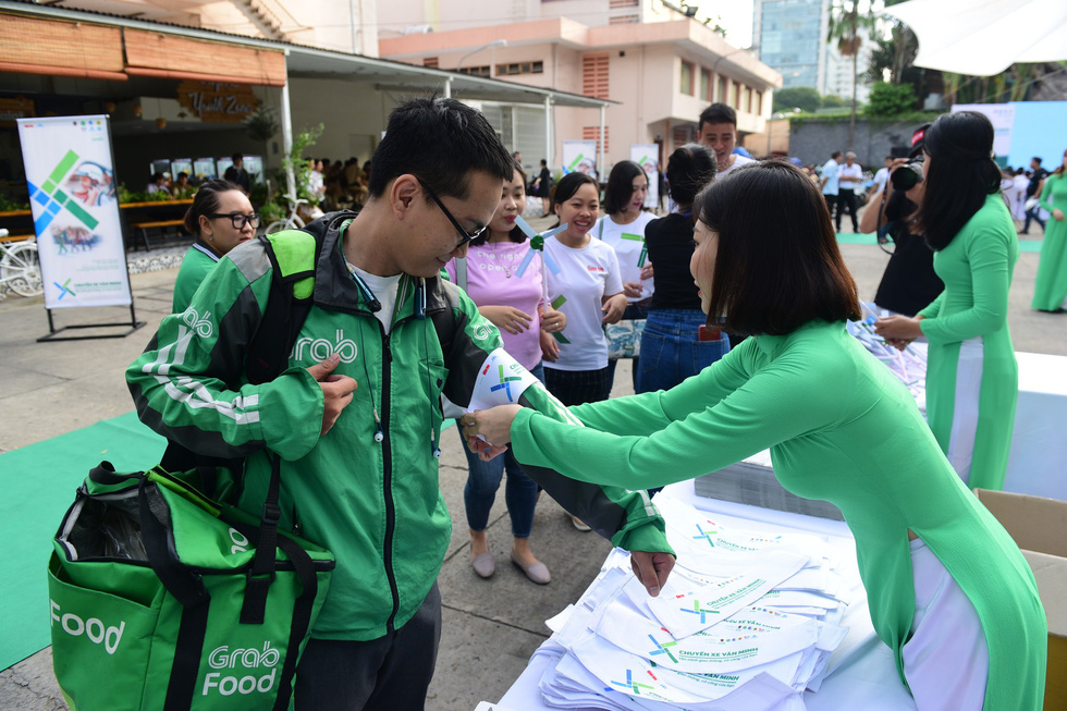 Tuoi Tre-backed campaign to promote traffic safety launched in Ho Chi Minh City