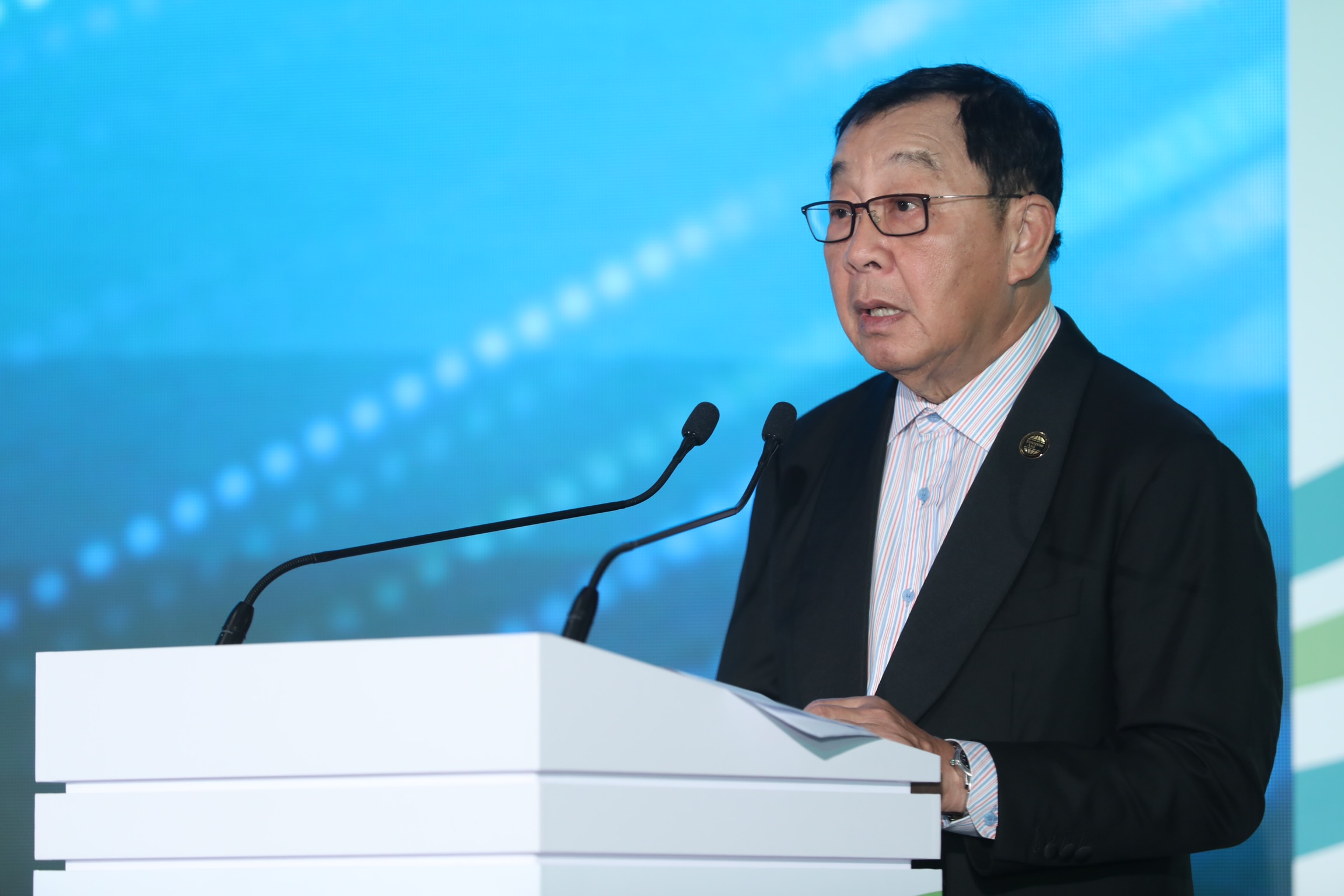 Dr. Fong Chan Onn, chairman of Enterprise Asia, delivers the welcome address. Photo: Minh Huynh