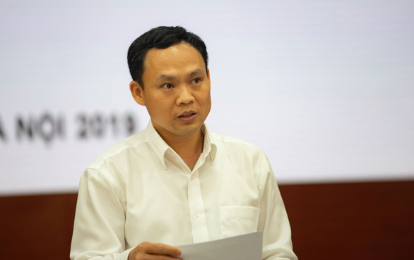 Le Van Binh, deputy director of Hanoi's management board for construction and industrial works, speaks at a press meeting on May 28, 2019. Photo: Vu Tuan / Tuoi Tre