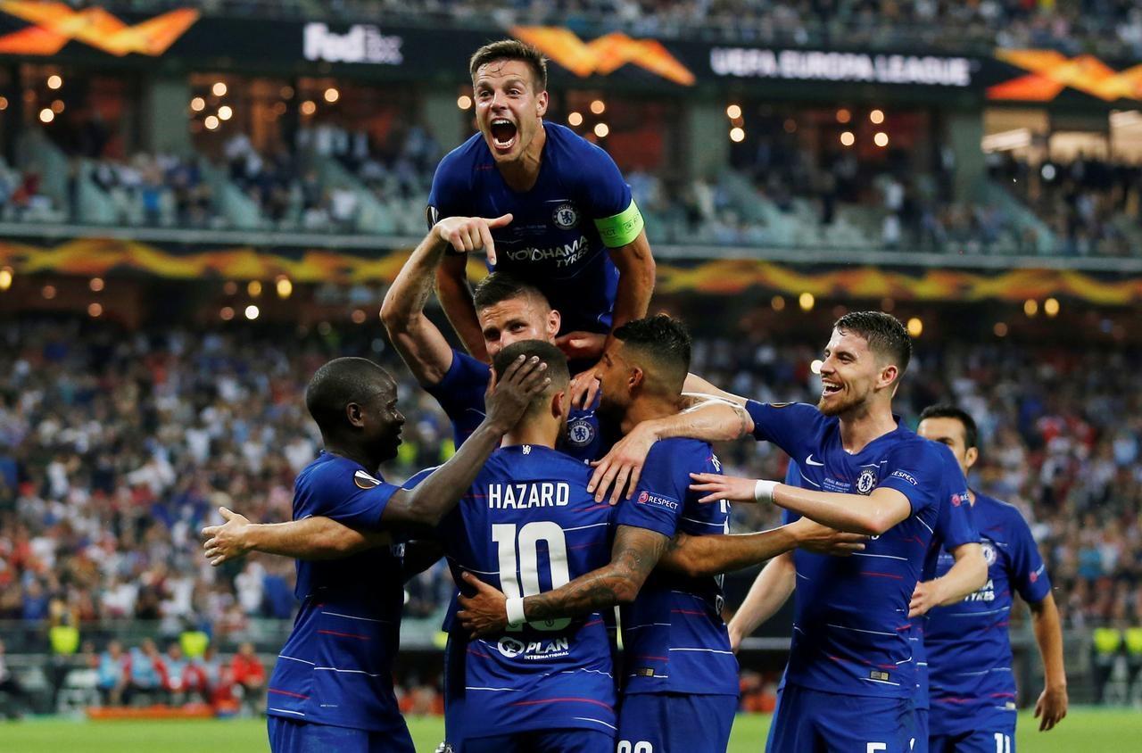 Hazard scores twice as Chelsea thrash Arsenal to win Europa League
