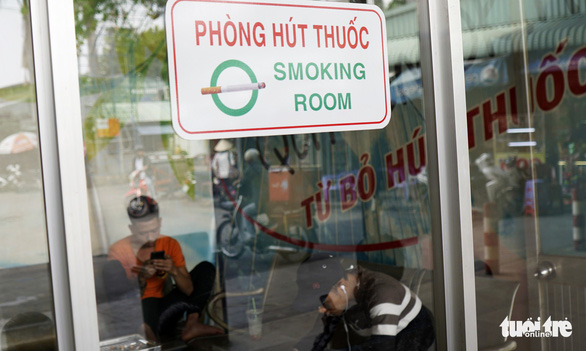 A smoking room is seen at Mien Dong Bus Station in Binh Thanh District, Ho Chi Minh City. Photo: Duyen Phan / Tuoi Tre