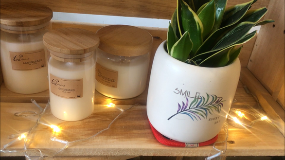 Nguyen Le Quynh Nhu's handmade candles. Photo: Tuoi Tre