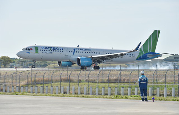 A Bamboo Airways plane is seen at an airport in Japan. Photo: Aviation Wire