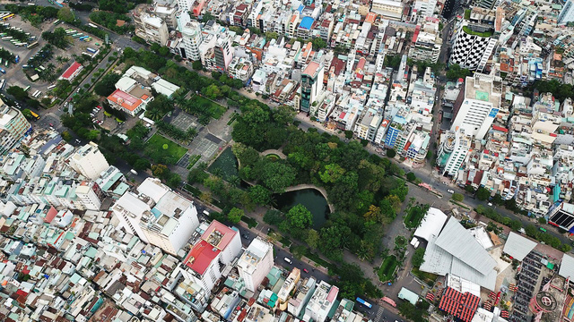 Reclamation of common areas in Ho Chi Minh City's downtown park falls behind schedule