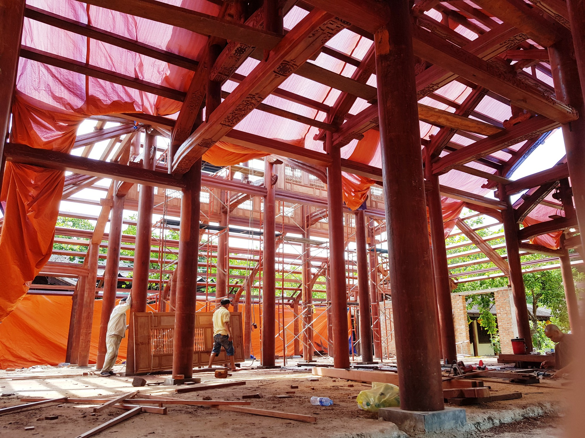 Workers build the new main structure of the Tu Hieu Pagoda in Hue, Vietnam. Photo: An Nhien / Tuoi Tre