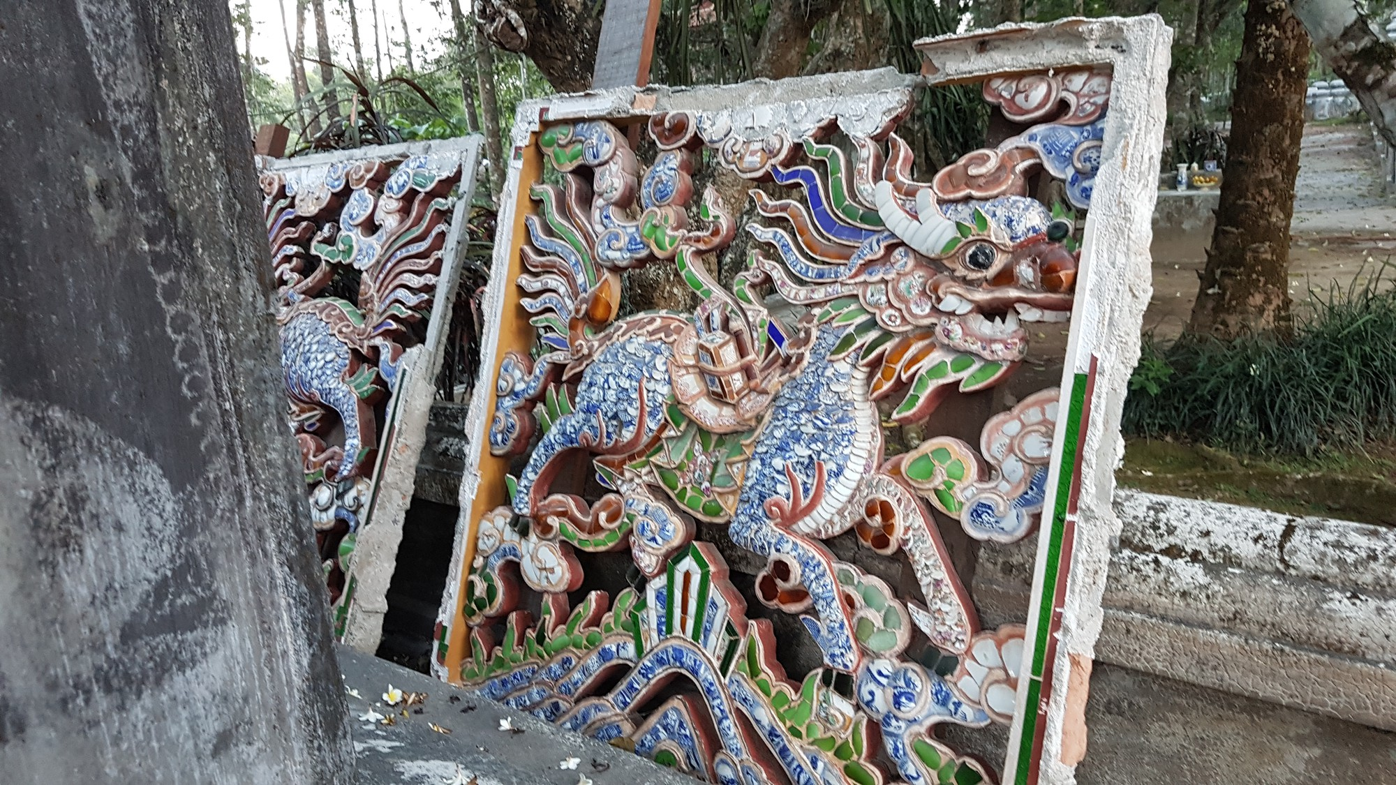 A ceramic-paved wall sculpture removed from the main structure of the Tu Hieu Pagoda in Hue, Vietnam. Photo: Thai Loc / Tuoi Tre