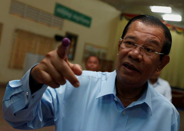 Singapore PM's Cambodia 'invasion' statement 'an insult' to Vietnam's sacrifice: Hun Sen