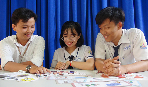 Vietnamese high school students create board games to protect children from abuse