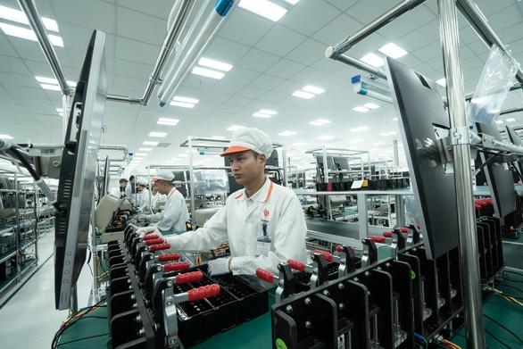 Vietnam's Vingroup builds smartphone plant in Hanoi