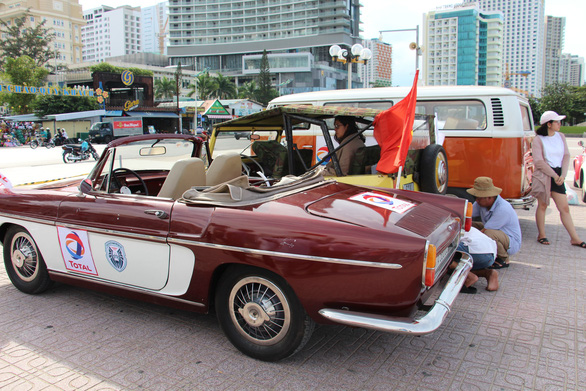 Vintage automobiles are showcased in Nha Trang City, Vietnam on June 9, 2019. Photo: Thai Thinh / Tuoi Tre