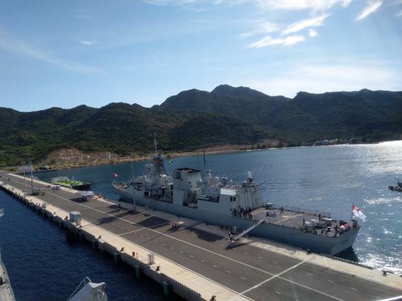 Frigate HMCS Regina docks at Cam Ranh International Seaport on June 10, 2019. Photo: Nguyen Hoai Anh / Tuoi Tre