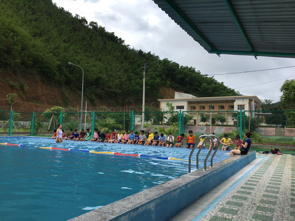 Young learners of a free swimming class are pictured at a pool in Thanh Hoa, north-central Vietnam, on June 5, 2019. Photo: Supplied