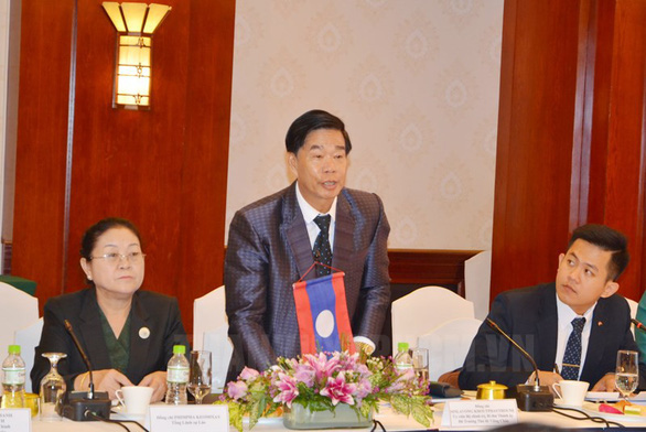 Secretary and Governor of Vientiane Sinlavong Khoutphaythoune at the meeting. Photo: V.Nam / Tuoi Tre