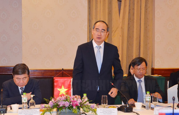 Ho Chi Minh City, Vientiane leaders discuss measures to promote bilateral ties