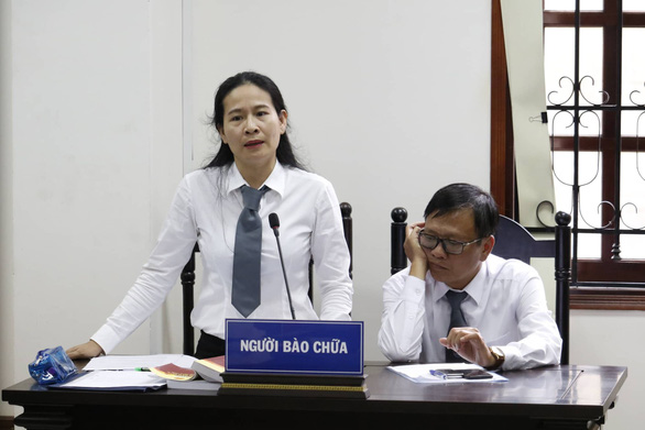 Nga's attorney speaks at the trial. Photo: Ngoc Phuong / Tuoi Tre
