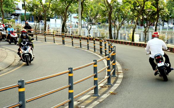 A sharp curve along Hoang Sa Street in District 1. Photo: Ngoc Phuong /Tuoi Tre