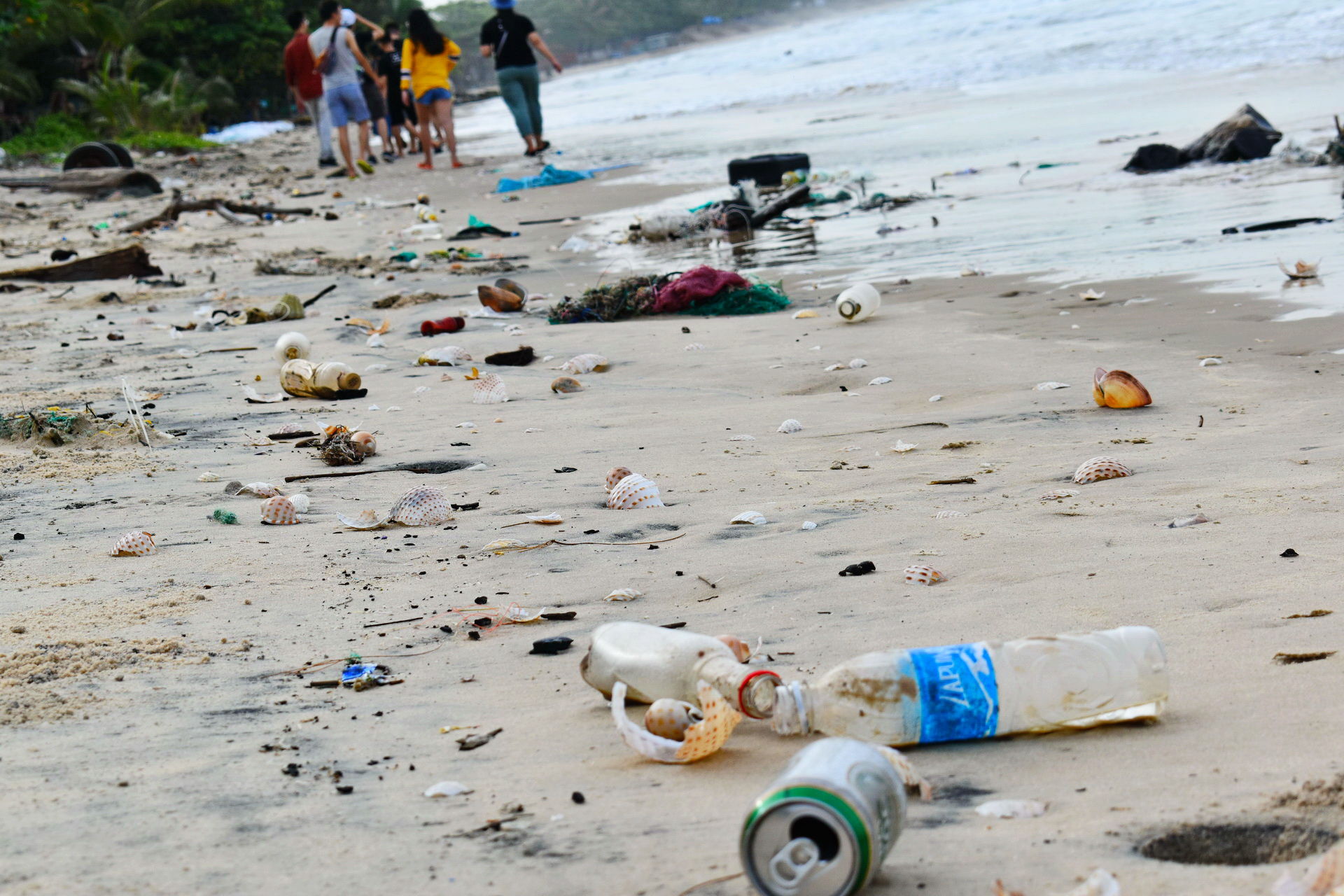 Once-pristine Vietnamese coastline littered with trash