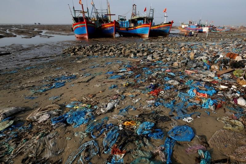 Southeast Asia should ban imports of foreign trash: environmentalists
