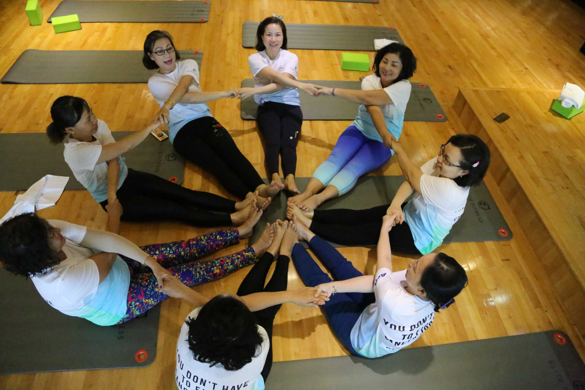 Patients join hands to fight cancer. Photo: Salt Cancer Initiative