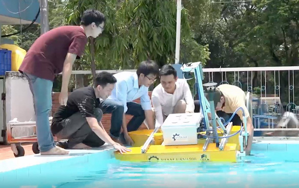 Ho Chi Minh City students create unmanned surface vehicle, agricultural aircraft