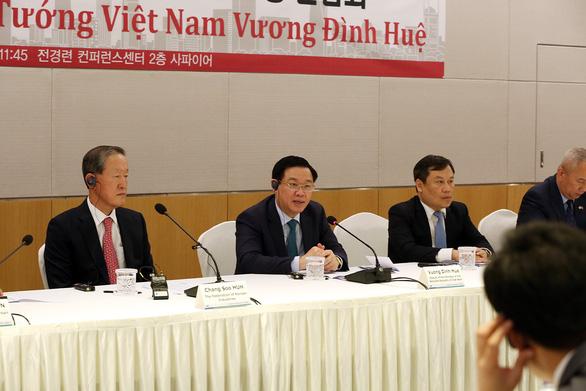 S. Korean lenders can invest in Vietnam by buying weak banks: deputy PM