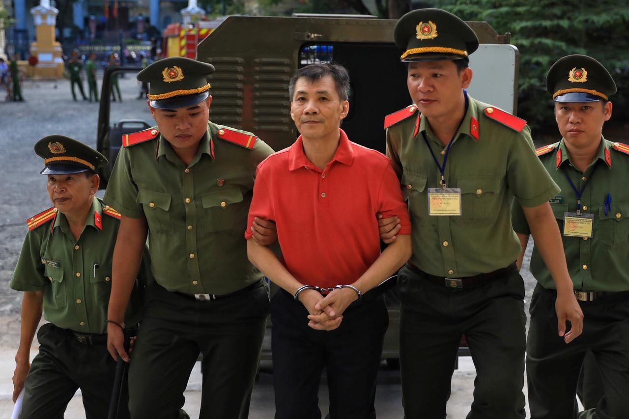 Vietnam imprisons US citizen for planning to topple people's administration