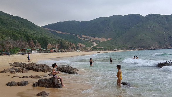 Vietnam's emerging beach destination loses charm over poor sevices