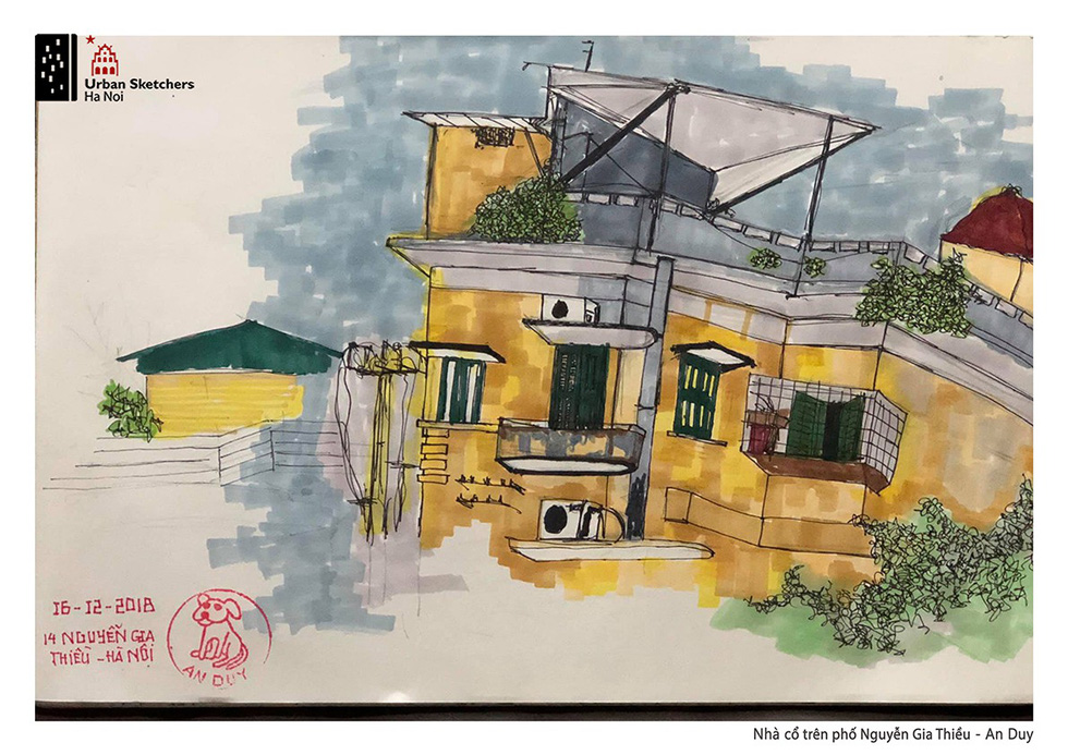 A painting by An Duy depicts a French-architected house on Nguyen Gia Thieu Street in Hoan Kiem District, Hanoi
