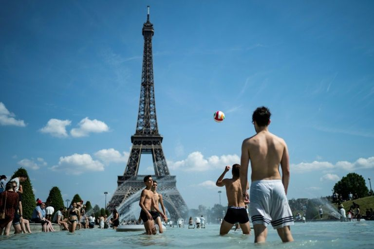 Europeans on alert as heatwave intensifies