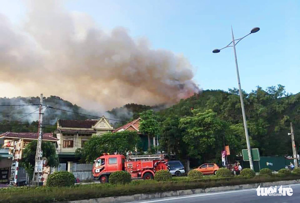 A wildfire is seen from Xuan An Town, Nghi Xuan District in the north-central province of Ha Tinh on June 29, 2019. Photo: Doan Hoa / Tuoi Tre