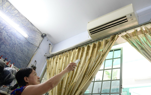 Summer in Vietnam: fans or air conditioners?