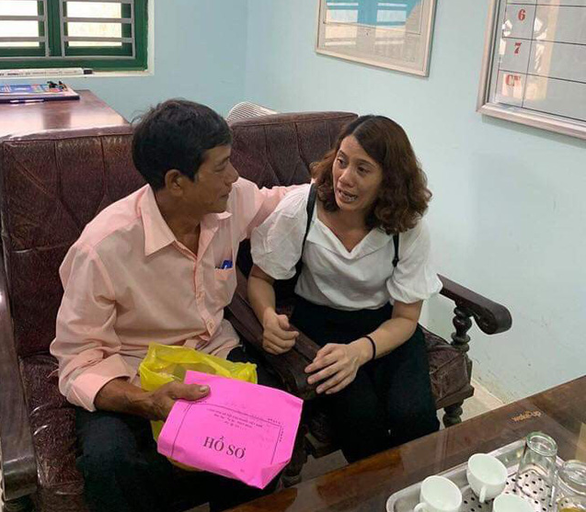 Nguyen Kim Hon talk to her older brother Nguyen Van Tang as the two reunite in Lang Son Province, Vietnam on July 3, 2019 after 22 years apart. Photo: Ngo Thanh Thuy