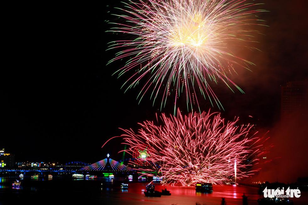 Finland crowned at Da Nang fireworks festival